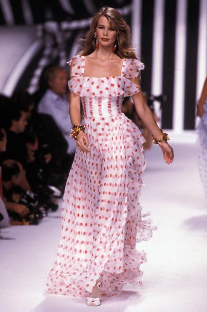 Valentino прет-а-порте сезона весна/лето-1992