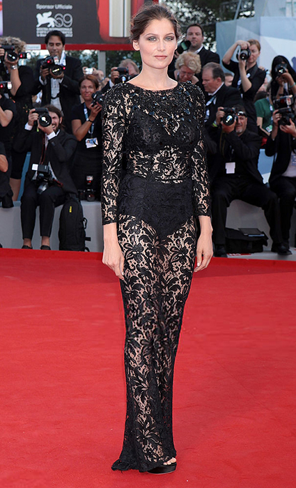 Летиция Каста в Dolce & Gabbana, 2012 год