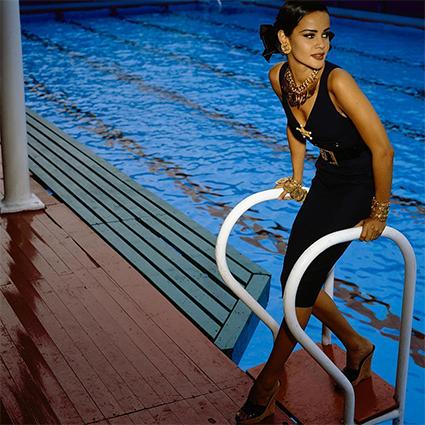Каникулы в стиле Chanel: Марго Робби снялась в новой кампании бренда
