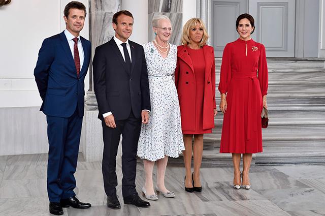 Кронпринц Фредерик, Эммануэль Макрон, королева Маргрете, Брижит Макрон и кронпринцесса Мэри