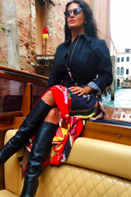 Венецианские хроники: Сальма Хайек и Франсуа Анри-Пино устроили прогулку по городу на лодке