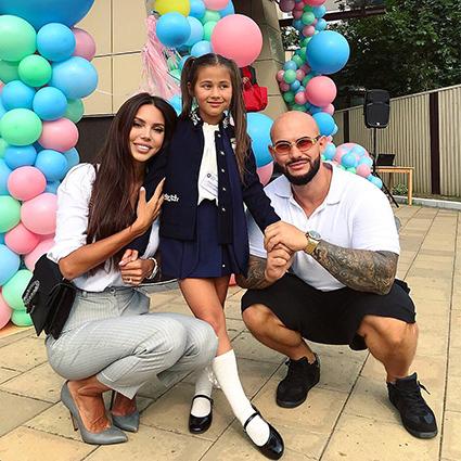 Оксана Самойлова и Джиган с дочерью Ариелой