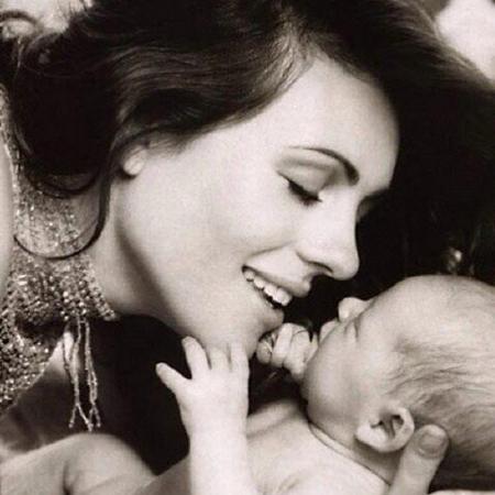 Сын Элизабет Херли Дамиан пошел по стопам матери и стал моделью