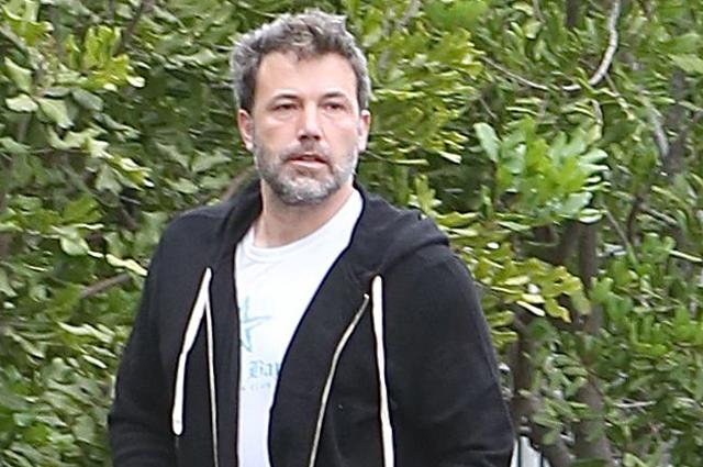 Бен Аффлек вернулся домой после лечения от алкогольной зависимости в реабилитационном центре