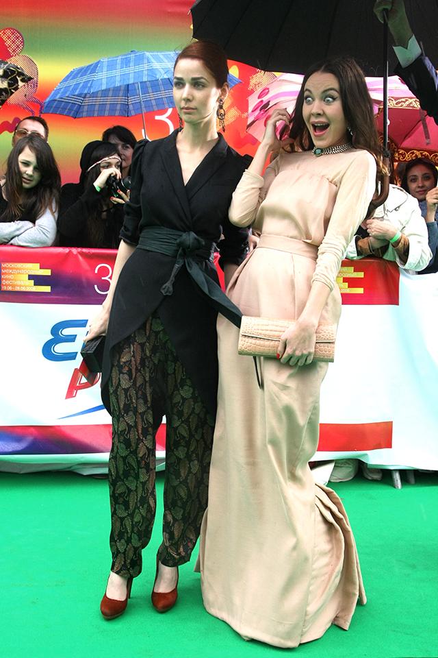 Алена Ахмадуллина и Ульяна Сергеенко, 2009 год