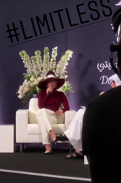 Дженнифер Лопес привлекла внимание жителей Катара двумя яркими образами