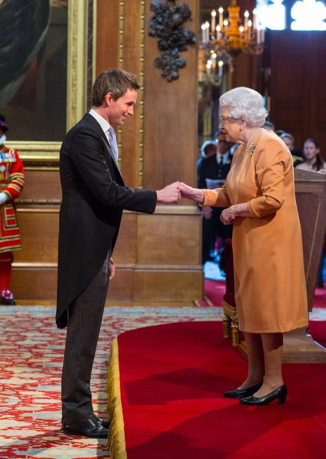 Эдди Редмэйн и королева Елизавета II, 2013 год