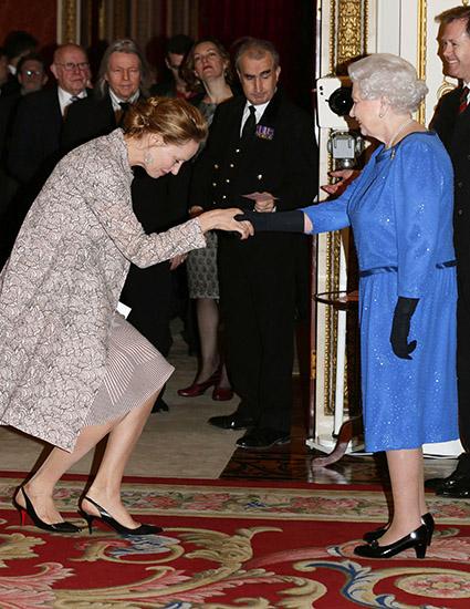 Ума Турман и королева Елизавета II, 2014 год