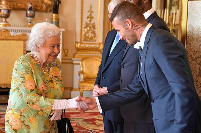 Королева Елизавета II и Дэвид Бекхэм, 2018 год
