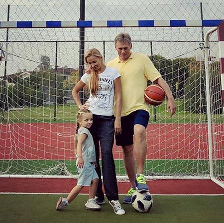 Татьяна Навка и Дмитрий Песков с дочерью