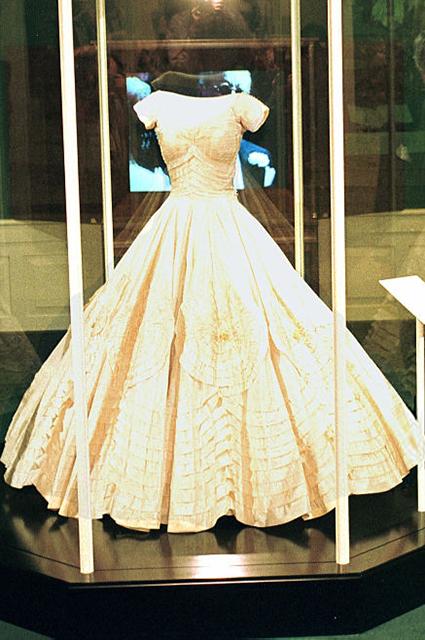 Платье Жаклин Кеннеди в Библиотеке Кеннеди