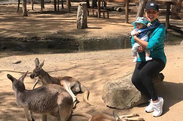 Ева Лонгория увезла трехмесячного сына в Австралию