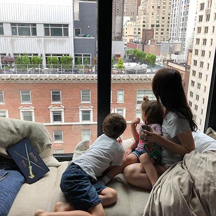 Марина Александрова с детьми