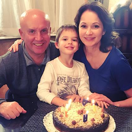Николай Разгуляев и Ольга Кабо с сыном Виктором