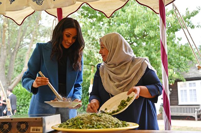 Меган Маркл с женщинами и сообщества Hubb Community Kitchen