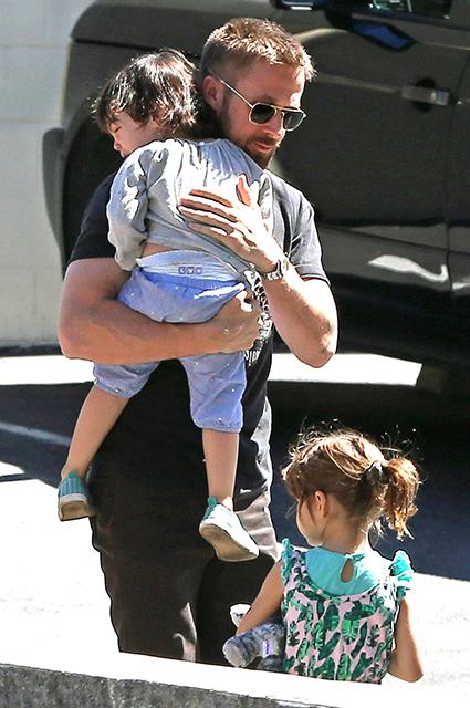 Райан Гослинг с детьми