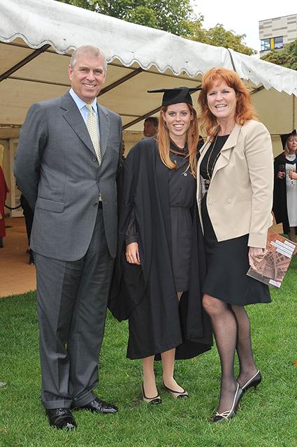 Принц Эндрю, принцесса Беатрис и Сара Фергюсон