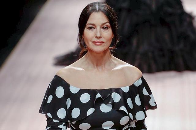 Неделя моды в Милане: Моника Белуччи, Карла Бруни, Эшли Грэм и звезды 90-х на подиуме Dolce & Gabbana