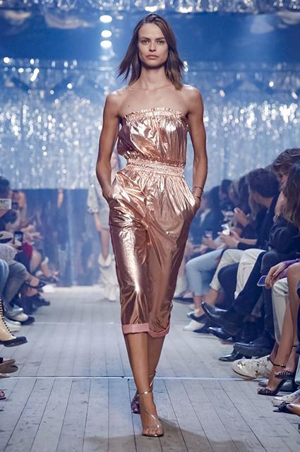 Неделя моды в Париже: Наташа Поли и Кайя Гербер на показе Isabel Marant