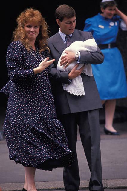 Сара Фергюсон и принц Эндрю с принцессой Беатрис