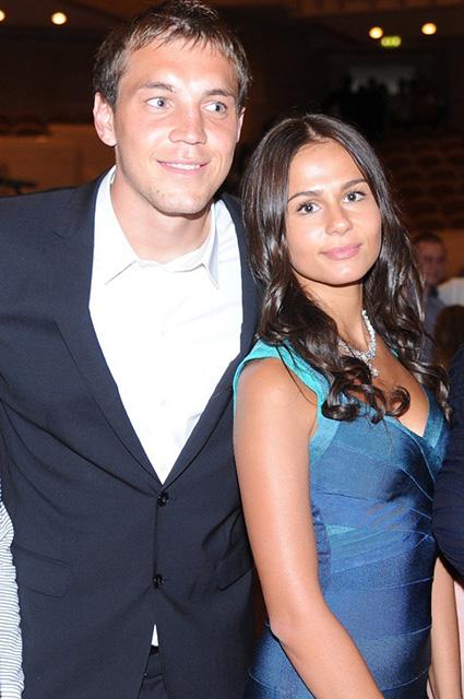 Артем Дзюба с женой Кристиной
