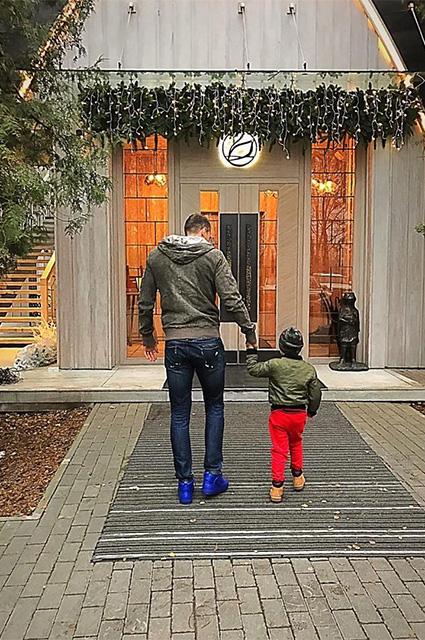 Артем Дзюба с сыном