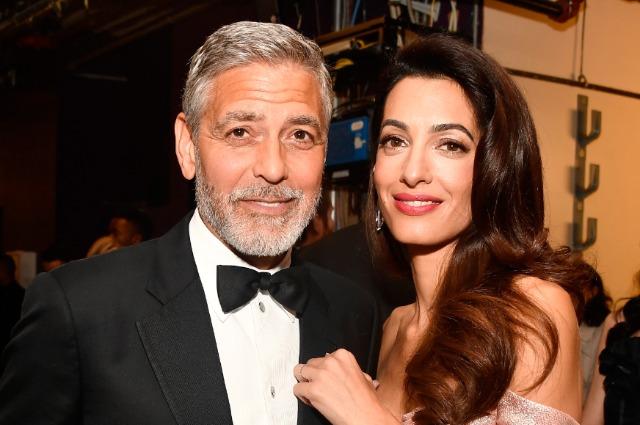 «Привет, я Джордж. Муж Амаль Клуни»: актер поддержал жену на Пенсильванской конференции для женщин