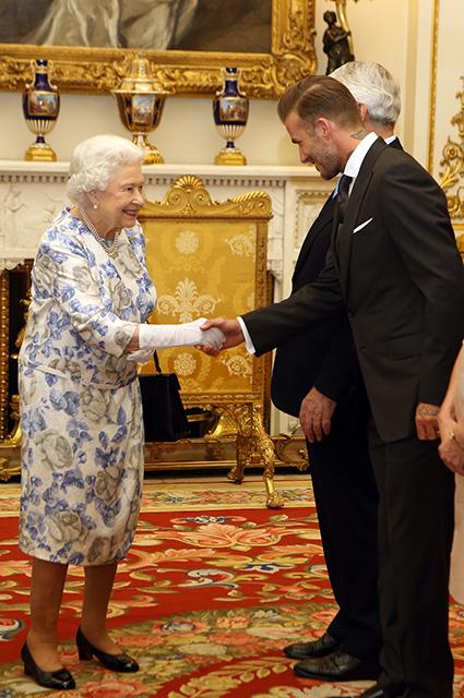 Королева Елизавета II и Дэвид Бекхэм