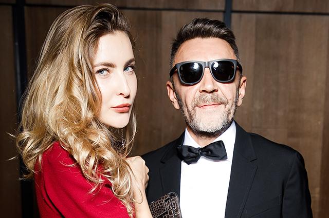СМИ: Сергей Шнуров и Ольга Абрамова тайно поженились