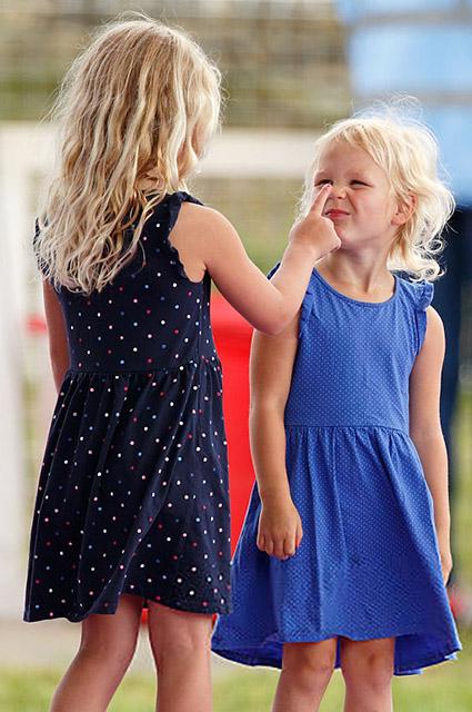 Саванна с младшей сестрой