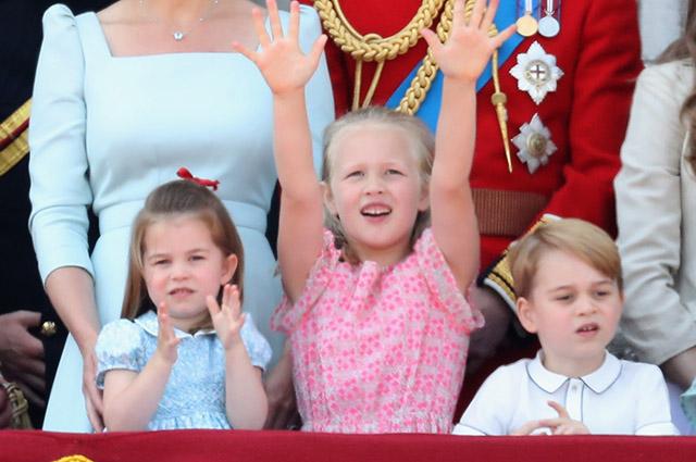 Принцесса Шарлотта, Саванна Филлипс и принц Джордж. Июнь 2018 года