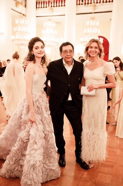 Любовь Толкалина с Егором Кончаловским и дочерью Марией