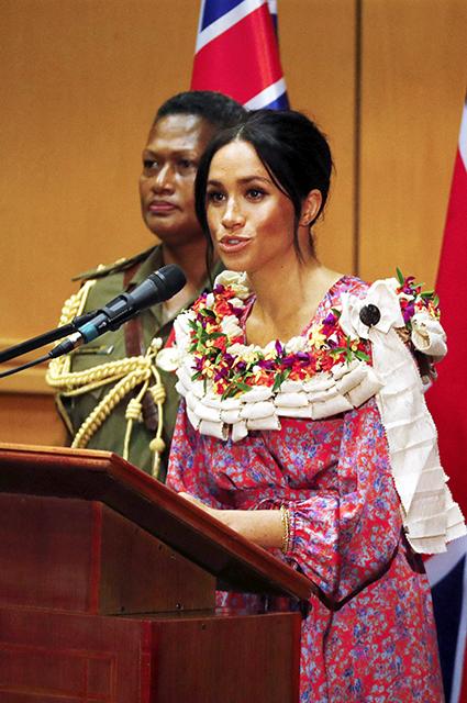 Сводная сестра Меган Маркл прокомментировала ее вдохновляющую речь на Фиджи: «Лгунья!»