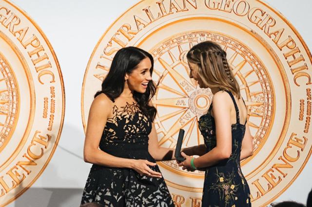 Меган Маркл в роскошном вечернем наряде и принц Гарри на церемонии вручения премий Australian Geographic в Сиднее