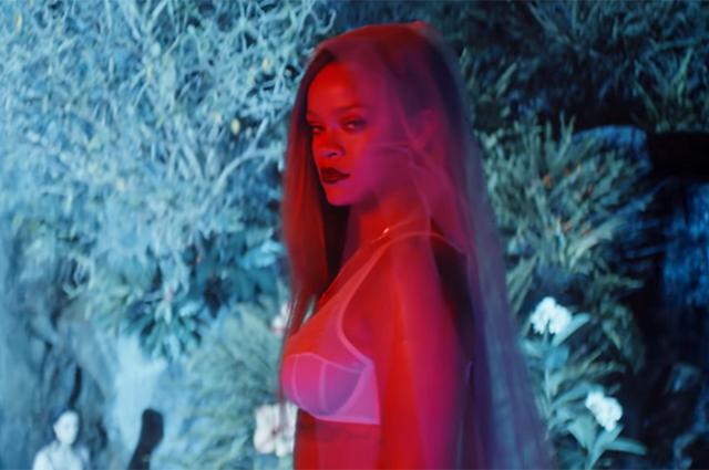 Модный дайджест: от главной интриги Victoria's Secret до новых достижений Виктории Бекхэм