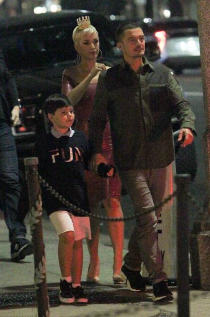 Кэти Перри отметила день рождения в компании Орландо Блума и его сына Флинна