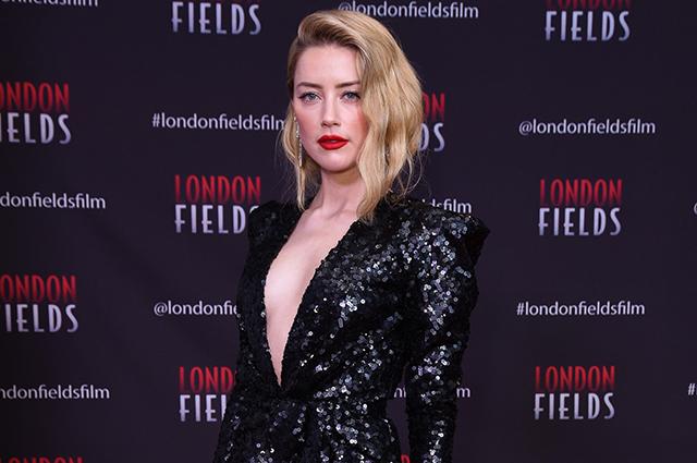 Эмбер Херд рассказала, что 10 лет назад известный актер предложил ей роман «по контракту»