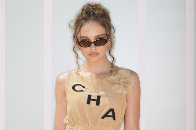 Лили-Роуз Депп стала главной звездой показа Chanel в Банкоке