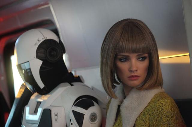 Паулина Андреева в образе робота в сериале «Лучше, чем люди»: трейлер