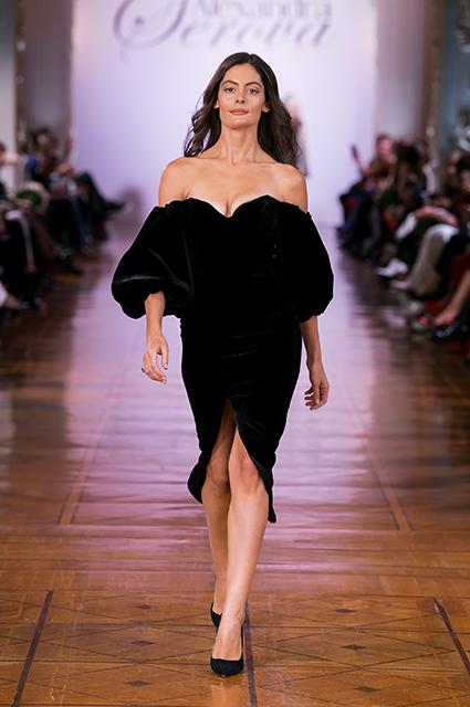 Мария Кожевникова, Юлия Барановкая, Аврора и другие звезды на модном показе в Москве