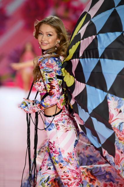 Джиджи Хадид на шоу Victoria's Secret 2018