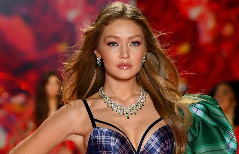 Звездные модели на шоу Victoria's Secret 2018