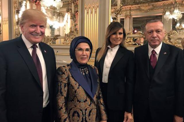 Дональд и Мелания Трамп встретились с Эммануэлем и Брижит Макрон во Франции