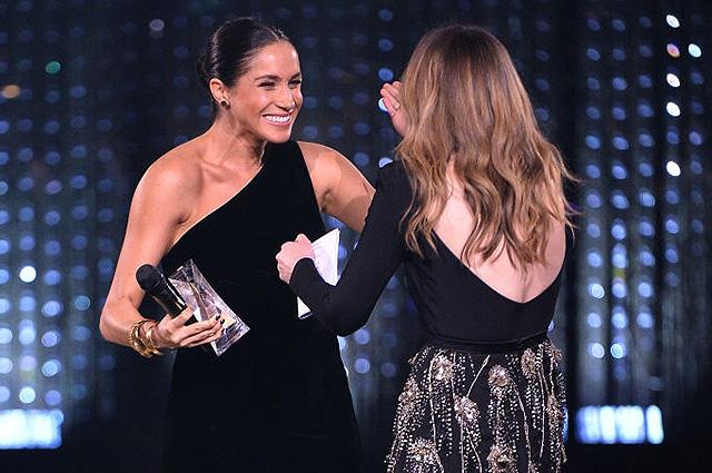 Беременная Меган Маркл шокировала гостей Fashion Awards — 2018 в Лондоне