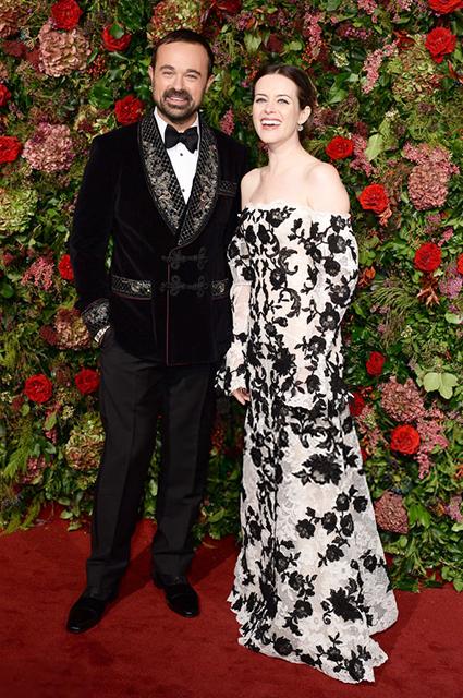 Семейный выход: Елена Перминова и Александр Лебедев на красной дорожке театральной премии в Лондоне