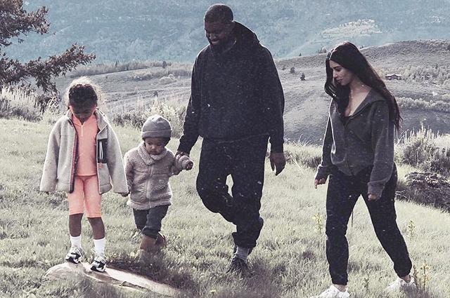 Ким Кардашьян с Канье Уэстом и детьми