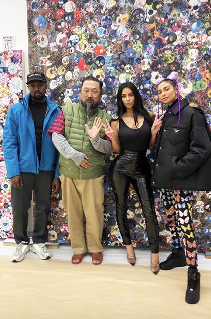 Канье Уэст и Ким Кардашьян в студии Такаси Мураками