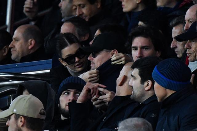 Леонардо ДиКаприо и Камила Морроне устроили свидание на футбольном стадионе