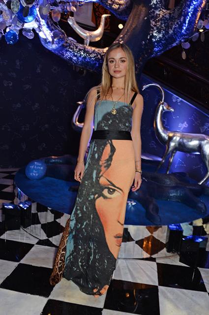 Наталья Водянова удивила своим поведением на вечеринке в Лондоне