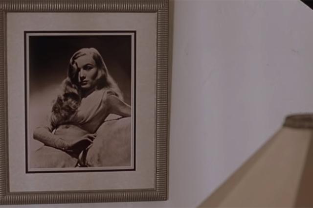 Портрет Вероники Лейк в доме Линн / Кадр из фильма